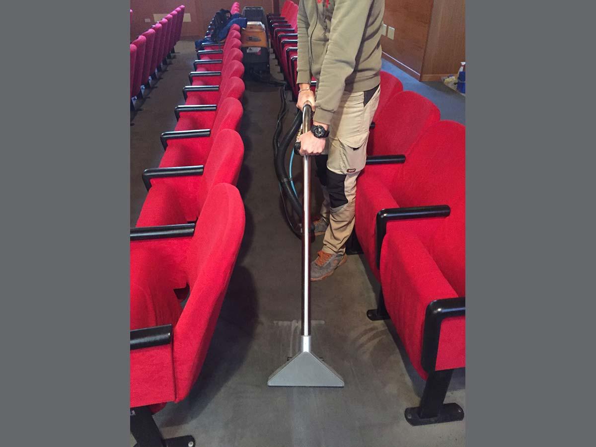 Lavaggio Moquette Verona.Euroclean Pulizia Della Moquette Del Teatro Del