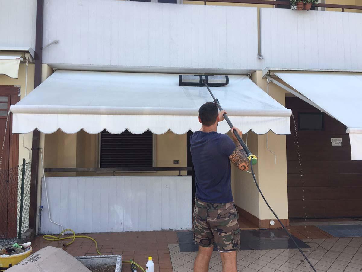 Lavaggio Tende Da Sole.Euroclean Pulizia Tende In Pvc